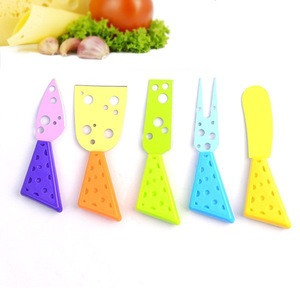 2015 New 5-piece colorful cheese knives set with plastic handle of cheese tools