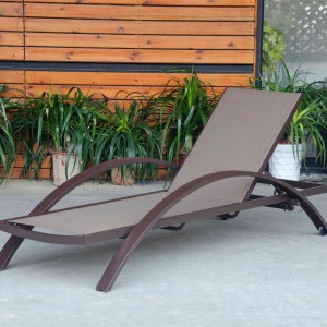 Chaise lounge outdoor with wheels