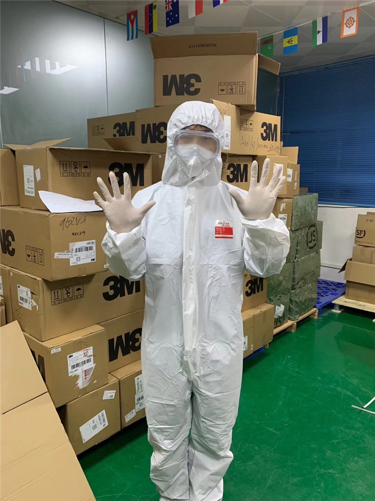 Cleaning Uniform Cleanroom Clothing Coverall Disposable Overalls  Men Chemical Protective Suit
