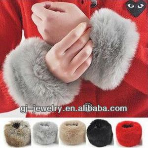 Women Winter Faux Fur Oversleeve Hand Muff Wrist Arm Warmer Cuff Cover Fuzzy Furry Wristband (best price)