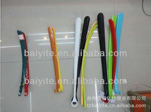 Plastic long handled colorful shoe horn