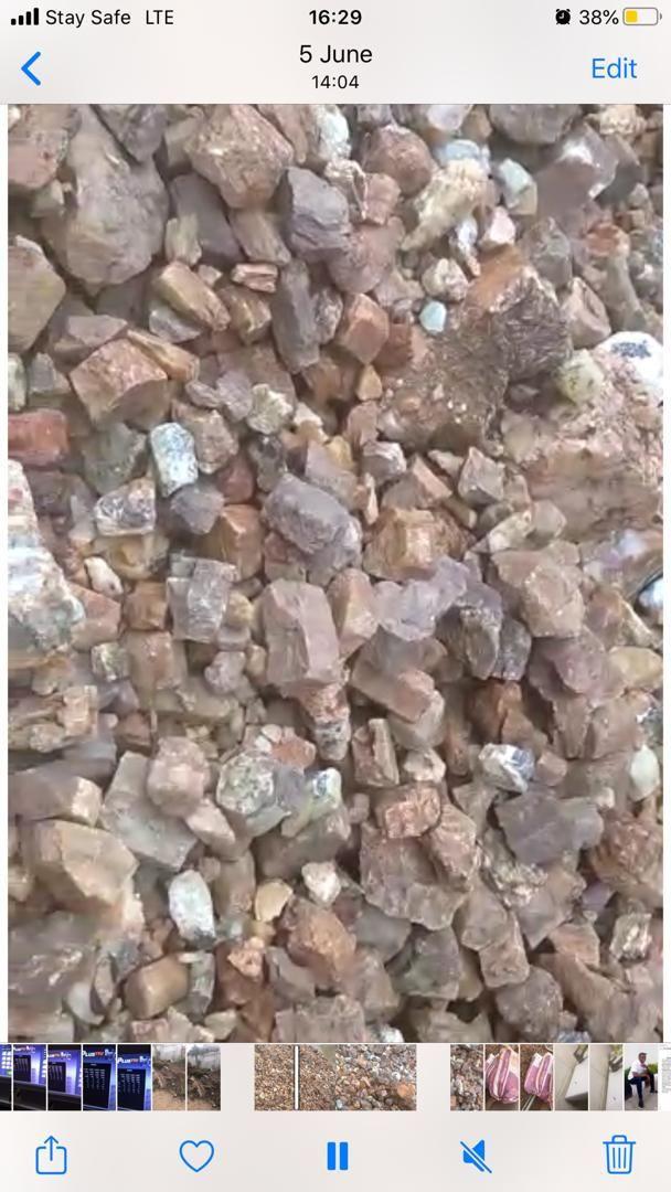 Beryl ore