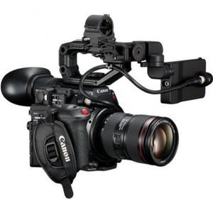 PROFESSIONAL VIDEO CAMERAS C200 + 24-105mm F4 IS USM II