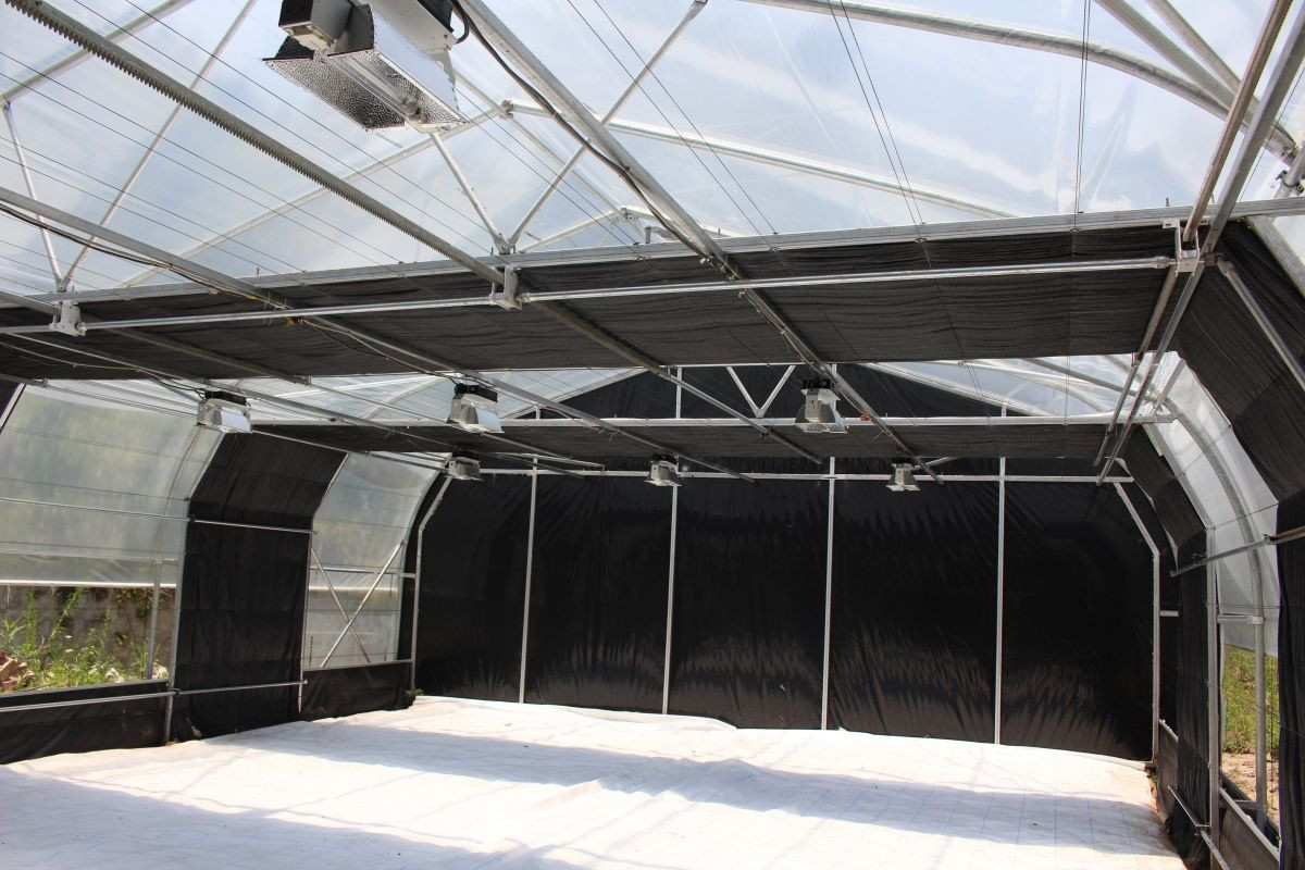 Agricultural Tunnel Cheap Light Deprivation Greenhouse Blackout Greenhouse Light Deprivation System