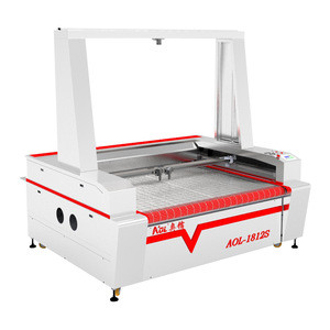 China co2 double head CCD camera auto feeding table top laser cutting and engraving machine for fabric,cloth,leather,wool felt