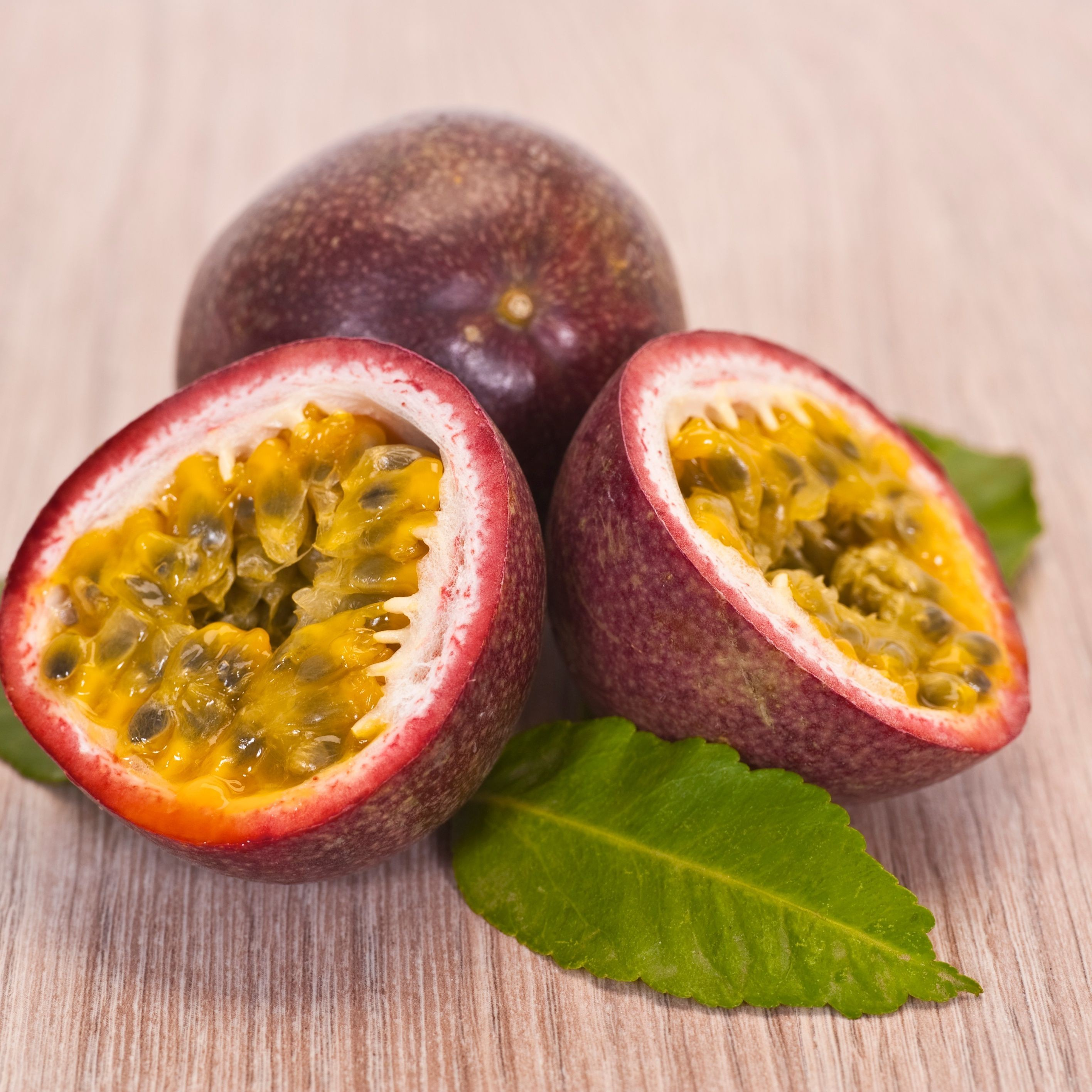 High quality Fresh Passion Fruit Global gap Cheap Price Wholesale Frozen Passion Fruits made in Vietnam