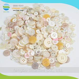 Hot sale new desgin wholesale mix colours resin buttons