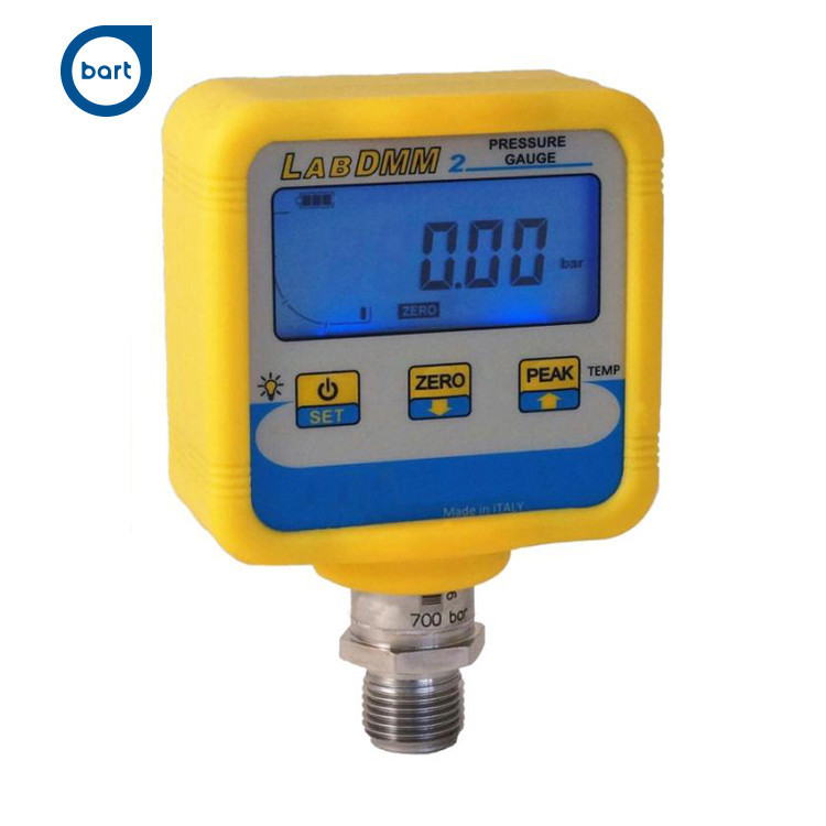 Made in Italy DIGITAL pressure gauges. Quick delivery. High customization
