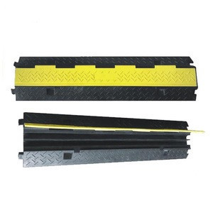 Customized pvc coated safety rubber speed cable protector hump