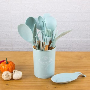 Amazon hot sale 11pcs silicone kitchenware set kitchen silicone utensils with wooden handle