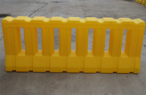 Road Safety Warning Plastic Barrier traffic barrier driving directions traffic signal