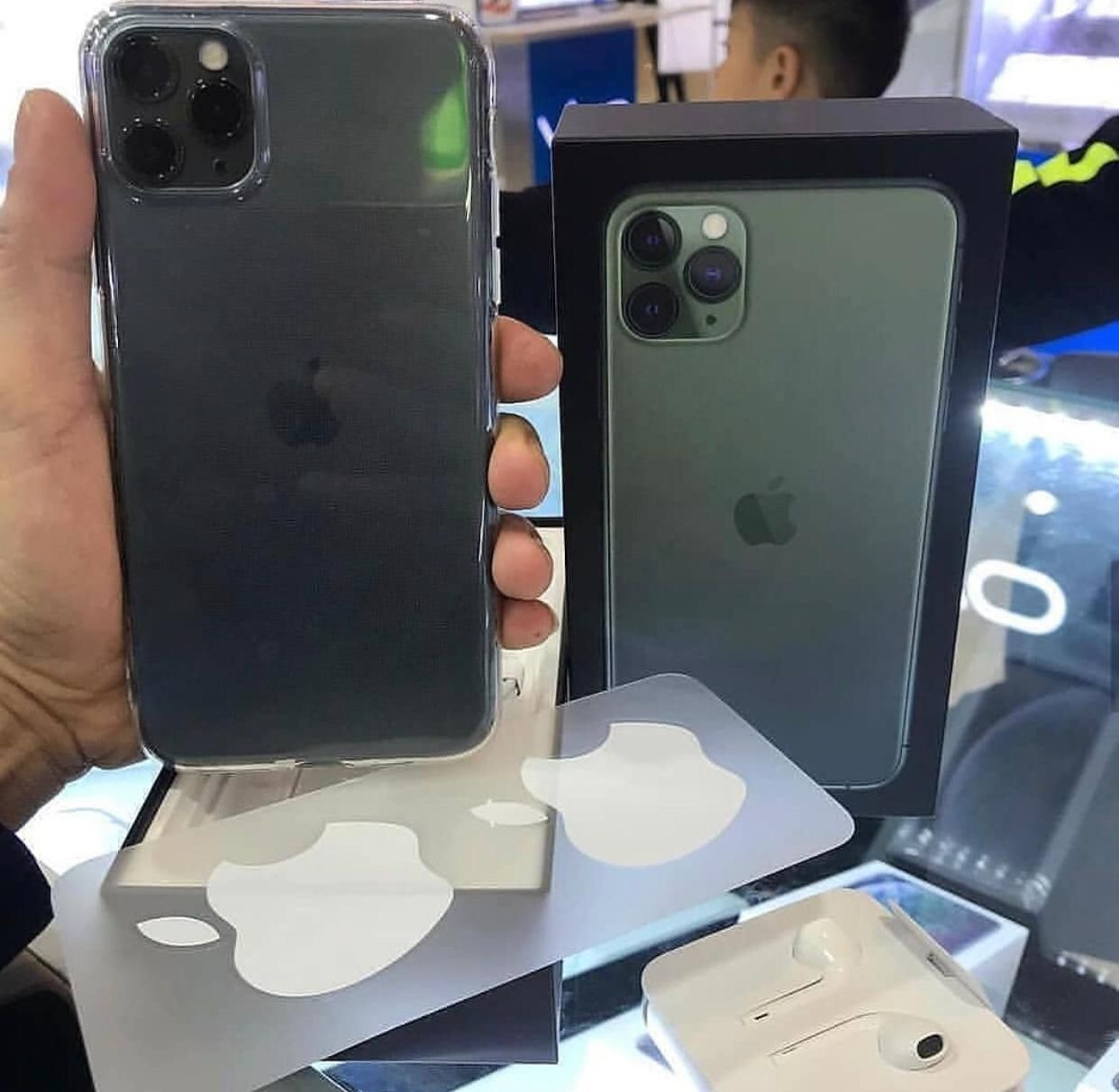 SHIPPING FAST QUALITY SALES IPhone 11 Pro Max IN BOX