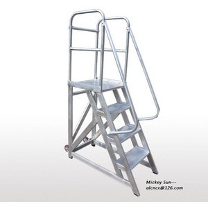 Aluminum alloy mobile platform with aluminum step ladder