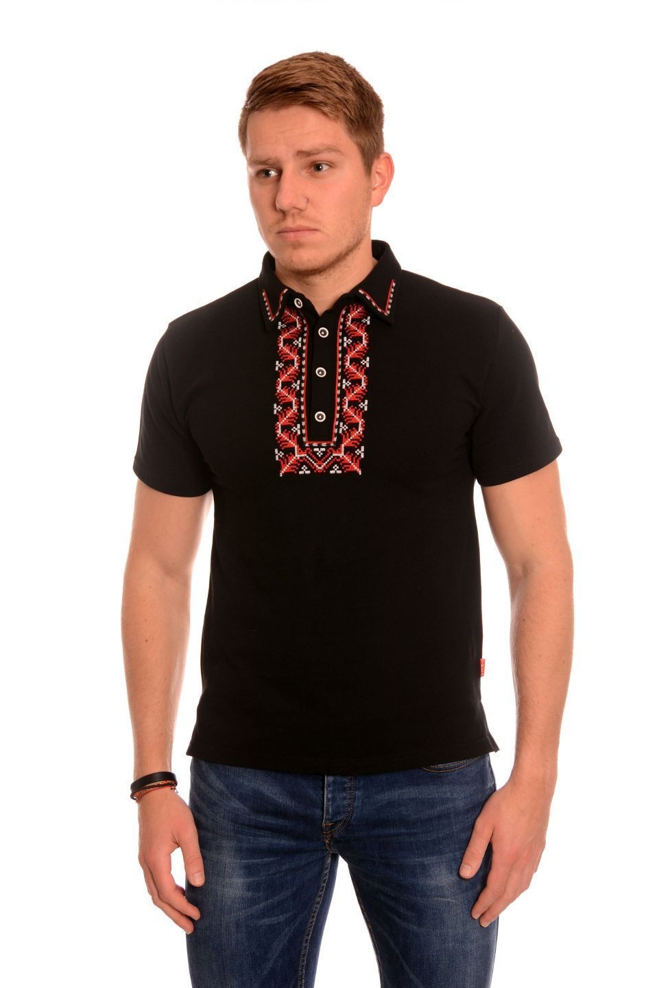 Black men's t-shirt with embroidery.