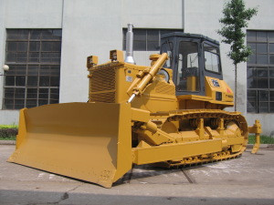 Equipped with various devices such as traction frame coal push shovel ripper and winch Tianjin Yishan bulldozer