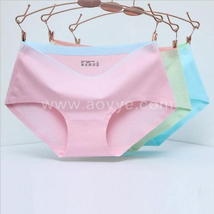 Hot style cotton multi-colored women middle-waist breathes fashion seamless underwear
