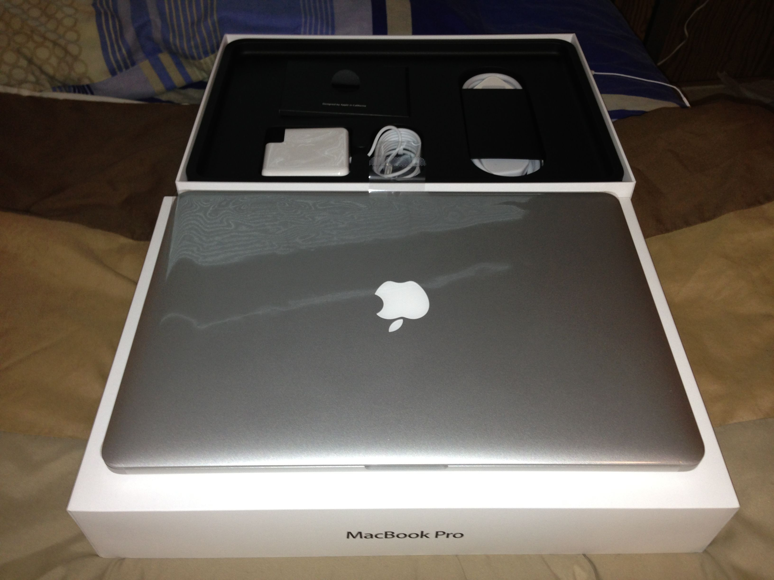 Buy Apple mac book pro and air Whatasp me +91-8259966459