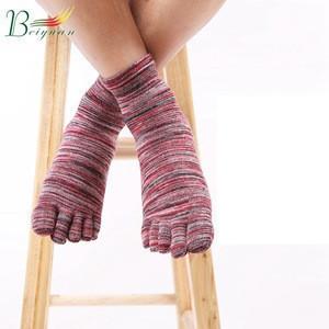 Simple Line Retro MenS Five-Finger Cotton Comfortable Split Shorts Boat Tide Male Autumn New MenS Socks Cheap Thick Toe Sock