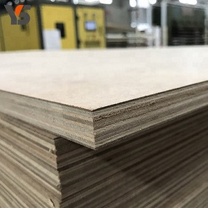 China manufacturer price smooth mdf and plywood sandwich board