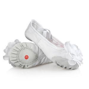 Sunshiny OEM children pink soft sole ballet dance shoes with flowers decoration