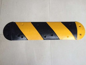 Durable Rubber Road Safety Speed Bumps for sale/Rubber Speed Hump/Road Speed Ramp