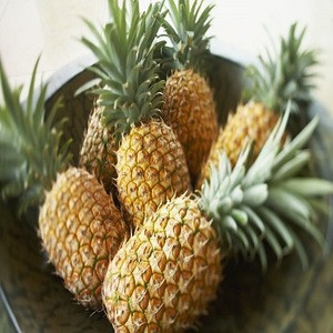 FRESH WHOLE PINEAPPLE FOR SALE