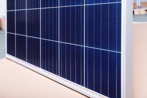 High Efficiency 315W 320W 325W 330W 335W Polycrystalline Solar Panel