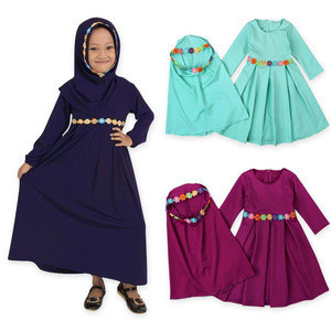 Muslim Islamic Girls Clothing Dress Abaya With Two Piece Hijab And Plaited Flower Solid Color Long Sleeve Dresses In Kids