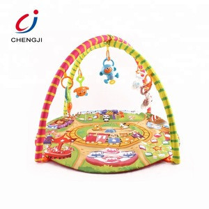 Wholesale custom soft gym blanket baby play mat with hanging rattle toy