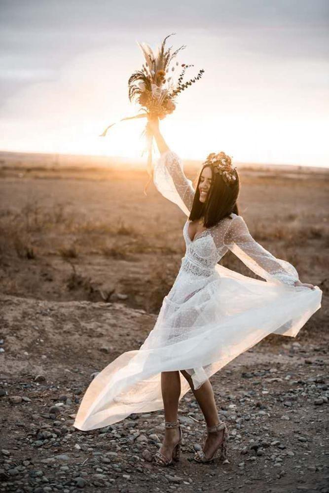 Fashionable illusion lace polka dot lantern sleeve wedding dress Wedding Gowns Beach Bride Dress Vestido De Noiva