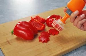 Kitchen Plastic Model Cooking Fruits Slicers Vegetables Tools Carve Patterns Device Veggie Cutter Cake Tools