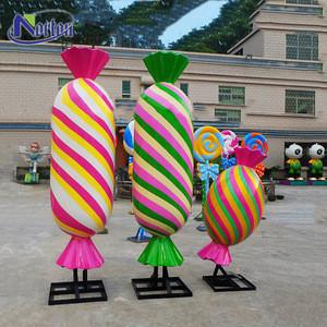Customized most popular large modern crafts sculpture outdoor decoration color resin fiberglass candy statue