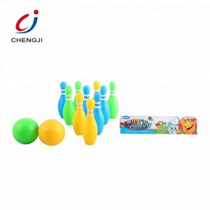 Wholesale sport toy plastic balls kids bowling play set with bowling pin
