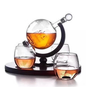Hot Selling Etched Whiskey Decanter Globe Set with Round Shape Wooden Base / Whiskey Decanter / Whiskey Decanter Set