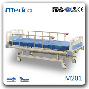 Ward nursing equipment 2 cranks manual hospital bed hand control for hospital bed prices M201