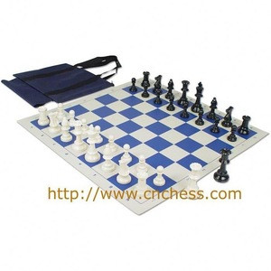 Chess set with tournament standards