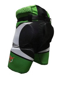 OEM specializing in the production of customized roller skating, ice hockey, skiing shorts, butt protection