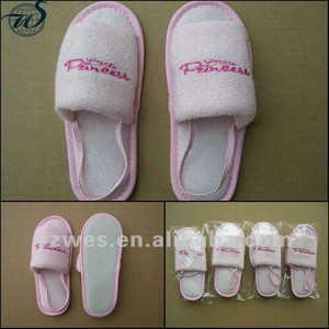 Pink terry comfortable for promotional gift with customized embroidery children hotel slippers