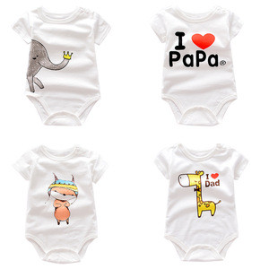 New short sleeved footprints are pure and cute dog patterns for summer baby clothes