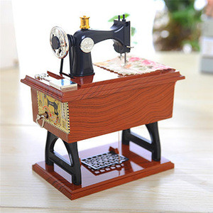 Latest Mini Music Boxes Plastic Vintage Sewing Machine Style Mechanical Birthday Gift