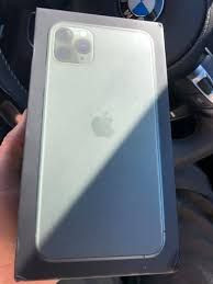 Selling Apple iphone and samsung phones