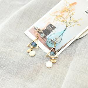 Artistic temperament is contracted joker triangle natural shell bread bead glass earrings korean earrings long vermeil earrings