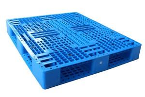 Heavy duty single faced non wood plastic pallet
