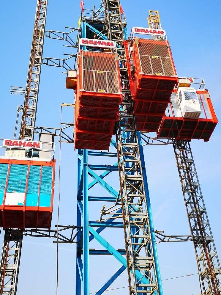SC200/200 100m/min speed construction hoist