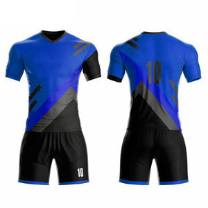 2020 Wholesale 100% polyester men football jersey team sports wear football clothes