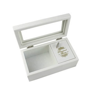 Classic cute white storage packaging hand crank music box for gift