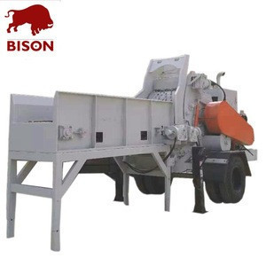 High capacity mobile drum wood chipper