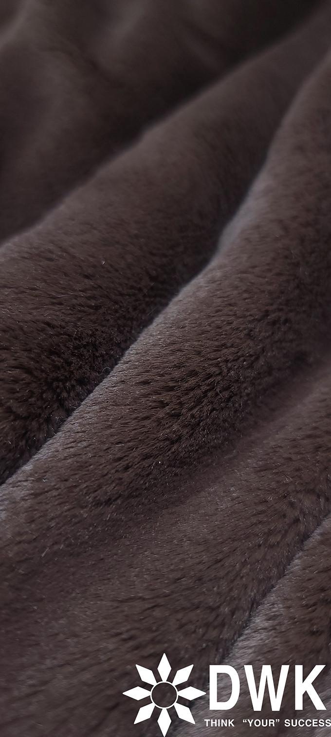 high standard 100%polyester faux fur fabric / fluffy faux fur fabric for plush toy & F/W garment