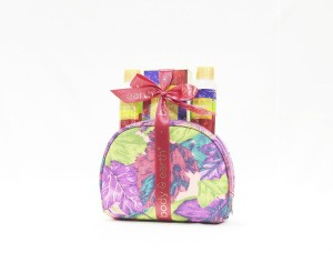 Private label wash bag packing  bath and body works body lotion set gifts bath travel gift set body care products