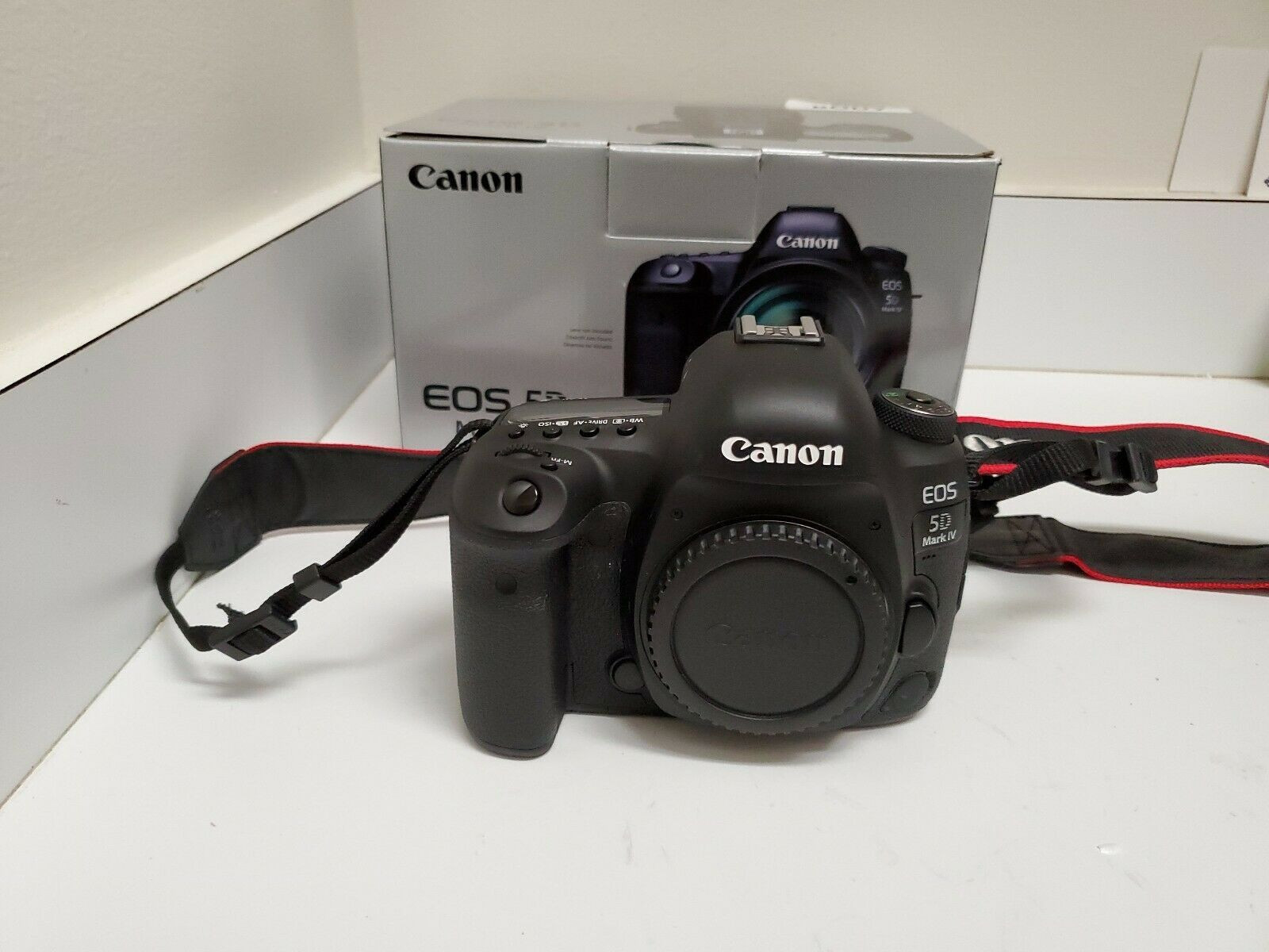 Canon EOS 5D Mark IV 30.4MP Digital SLR Camera (Body Only)